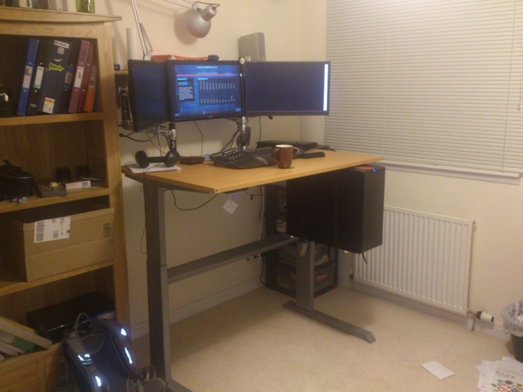 Desk_up_w
